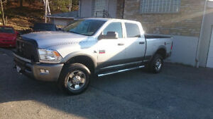 2011 Dodge Power Ram 2500 Pickup Truck