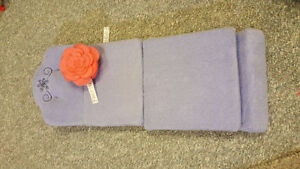 American Girl - Sit & Snooze Fold Out Bed for dolls London Ontario image 2