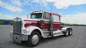 Kenworth W900 Antique TA Hiway Tractor - Sleeper