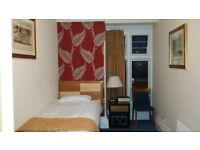 Rooms to let at Kings Hotel, Gravesend. Double and single