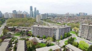 Very Rare! 2+1 Bed / 2 Bath Condo Apt @ Mississauga Valleys