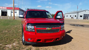 2009 Avalanche LTZ Excellent Shape.. DVD, Nav, Sunroof, leather.