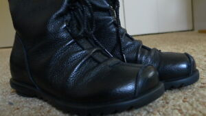 BRAND NEW fashion leather boots for autum to winter