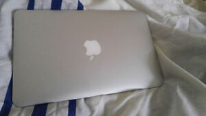 MACBOOK AIR A VENDRE 2012