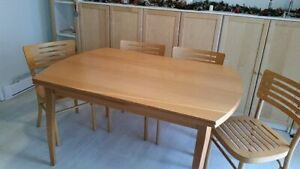 Solid birch dining table with 2 extending sections
