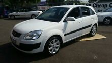 2007 Kia Rio JB Sports White 5 Speed Manual Hatchback Campbelltown Campbelltown Area Preview
