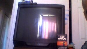 30 inch tube tv, great for older game systems or kids room Kingston Kingston Area image 2