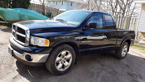 **GREAT DEAL-2005 DODGE RAM 1500  RUNS AND DRIVES LIKE NEW