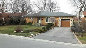 Beautiful Detached House For Rent in Mississauga Streetsville