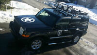 *** JEEP COMMANDER LIMITED A VOIR LOOK BLACK OPS ***