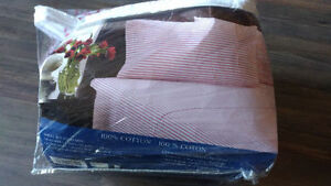 Brand new Queen mattress fitted sheet with 2 pillow covers