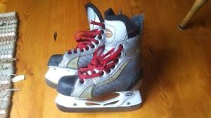 18x Hockey and Goalie Skates, sizes Yth10 - Adult 8 Kitchener / Waterloo Kitchener Area image 9