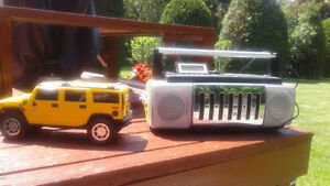 Hummer stereo and clock radio