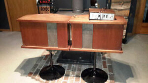 PAIR of VINTAGE 60's BOSE 901 DIRECT REFLECTING SPEAKERS * SOUND