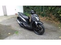 125 cc scooter for sale , 2013 sym symphony sr , 20 000 miles , new mot. Not enough room in garage.