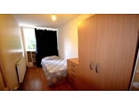cute room near Westfield Shopping Centre just for 110pw 07426585914