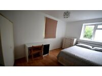 DOUBLE ROOM - PLAISTOW - Great Location - move in TODAY!