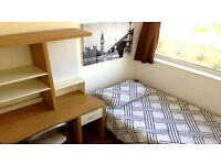 CUTE SINGLE ROOM 5 MIN AWAY FROM OVAL TUBE - ZONE 2 - ALL INCLUSIVE