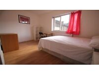 NICE AND CLEAN DOUBLE ROOM READY TO BE RENT NEAR CANNING TOWN
