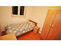 *great transportation links* room in CANARY WHARF!