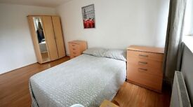 Lovely Double in a nice Flat, call me now 07429478909