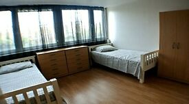 MANOR HOUSE, TURNPIKE LANE, SEVEN SISTERS, STOKE NEWINGTON . DOUBLE/ TWINROOM 2 beds, double bed.