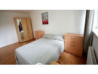 warm double room next to seven sisters staition ready today