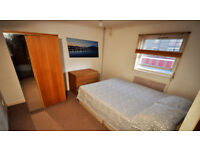 super cosy double room in front of seven sisters staition next to tesco