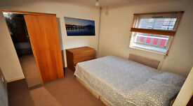 Cheap Double and Single Rooms in Canning Town.