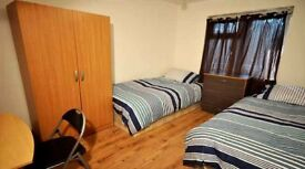 Twin room to let in spacious house. £260 pm all bills and wifi included.