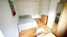 2 Spacious Double Rooms close to Canning Town Station, Zone 2/3.