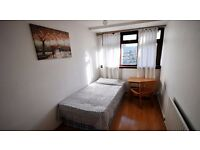 URGENT small room available now for 130 per week !!