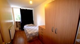 10 minutes to Central London room in Beautiful South London 07429478909
