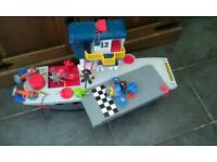 Great condition Large Imaginext Aircraft carrier has figures planes