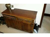 Wooden sideboard / chest of drawers