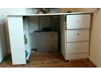White desk with drawers free to pick up