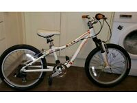 Child's Bike Specialized Hotrock 20 inch wheels in excellent condition