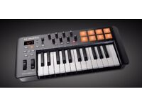 M Audio Oxygen 25 midi controller keyboard with pads boxed as new