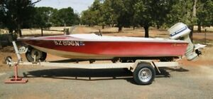 Red Camero ski boat for sale - just add petrol and start skiing!