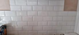 32 white gloss metro tiles