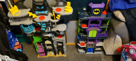 Batman sets with some figures