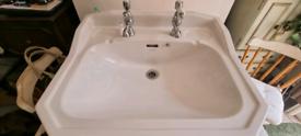 Heritage Sink & Taps