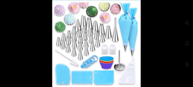 Piping Bags and Nozzles Set