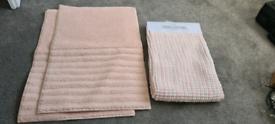 3x brand new pink bath mats