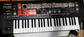 Roland SH 201 synth