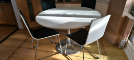 White high gloss pedestal table and 4 chairs