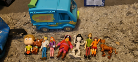 Scooby doo mystery machine van plus vigures and bopping heads