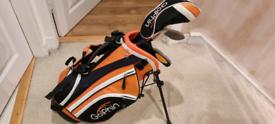 Golfin kids golf clubs and bag set Age 3-4