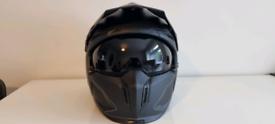 Mt motorcycle helmet, never worn, brand new (xl)