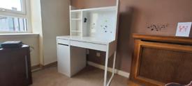 White desk pending
